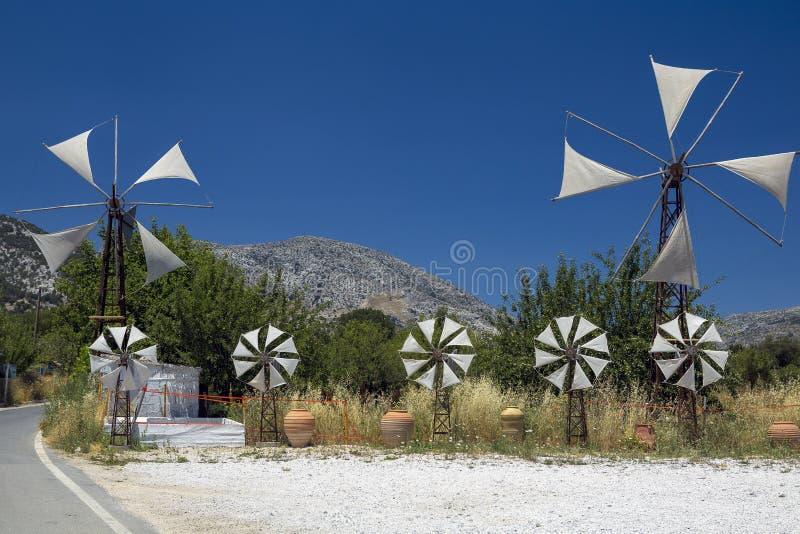 在拉西锡州高原,克利特的风车 免版税图库摄影