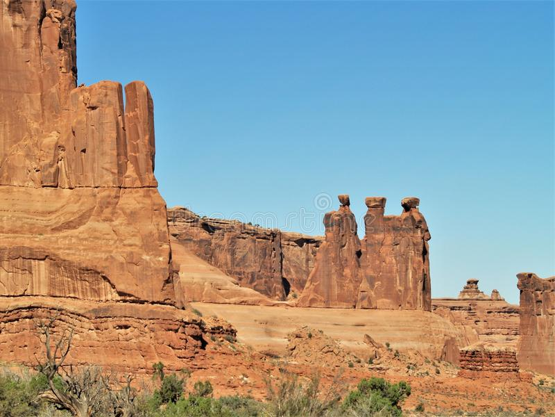 在拱门国家公园的三闲话岩层在犹他 图库摄影