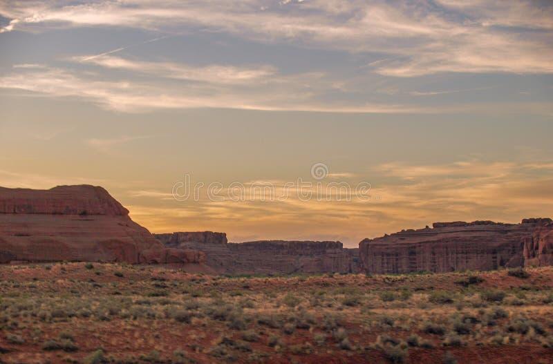 在拱门国家公园的日落在犹他 免版税库存照片
