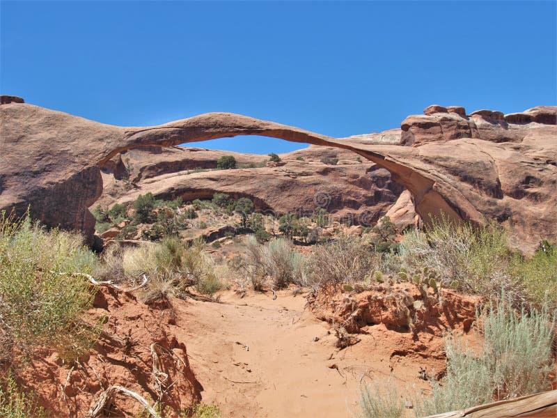在拱门国家公园的风景曲拱在犹他 免版税库存照片