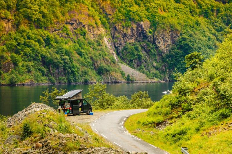在挪威山的路 库存照片