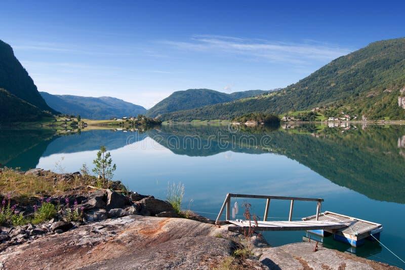 在挪威sognefjord附近的balestrand 免版税库存图片