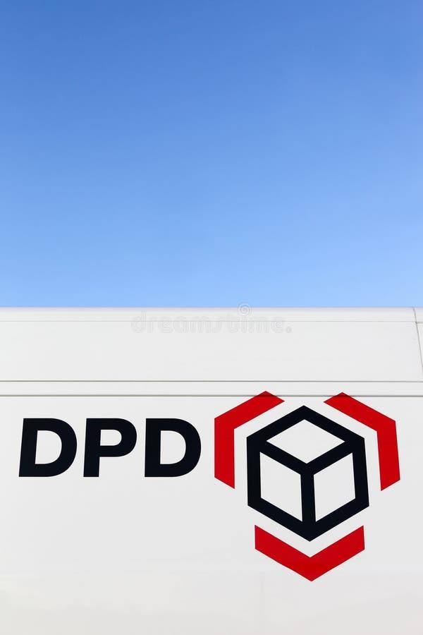 在搬运车上的DPD商标 免版税库存照片