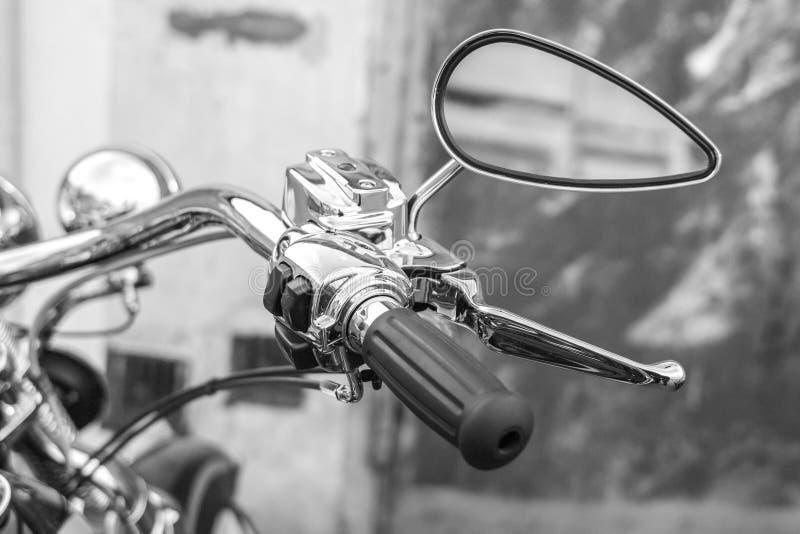 在摩托车的后视镜 免版税库存照片