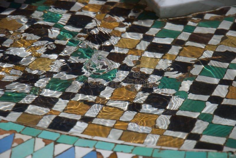 在摩洛哥喷泉的飞溅 免版税库存照片