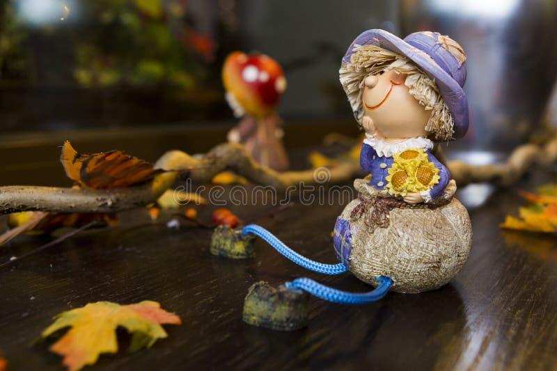 在收获庆祝党的秋天木偶 免版税库存照片