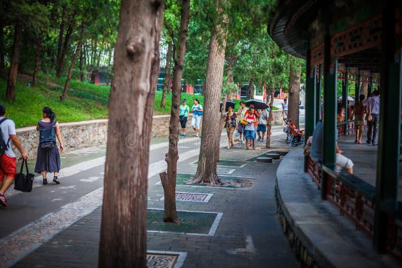 在故宫和颐和园, 2013年,北京,中国附近的美丽的北海公园 免版税图库摄影