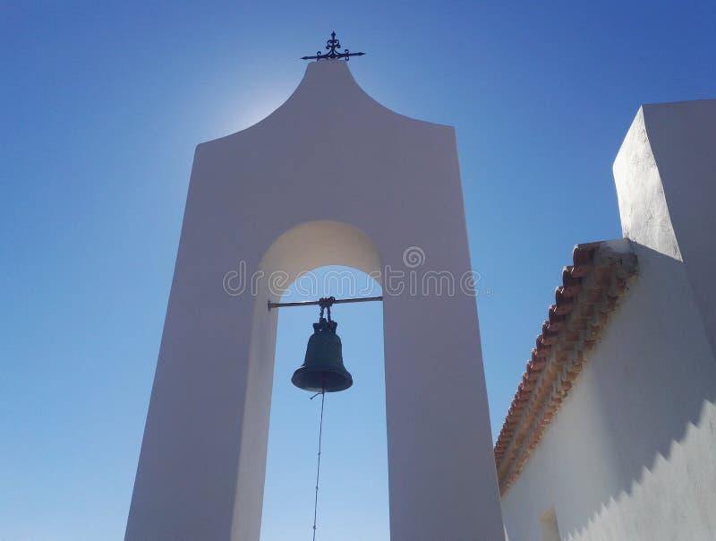 在教堂圣尼古拉斯,扎金索斯州,希腊附近的钟楼 库存照片