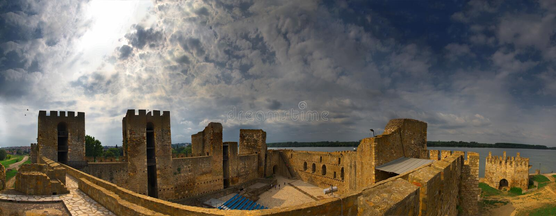 在斯梅代雷沃,塞尔维亚附近的堡垒 免版税库存照片