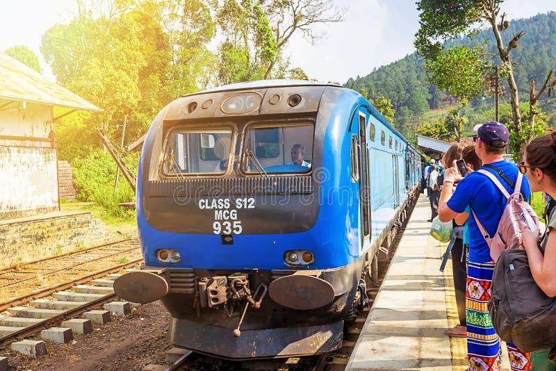 在斯里兰卡的高地的火车 免版税库存照片