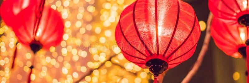 在新年节日期间的中国灯笼 越南新年横幅,长的格式 图库摄影