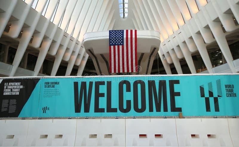 在新的世界贸易中心运输的Oculus里面插孔由圣地牙哥・卡拉特拉瓦设计了 库存图片