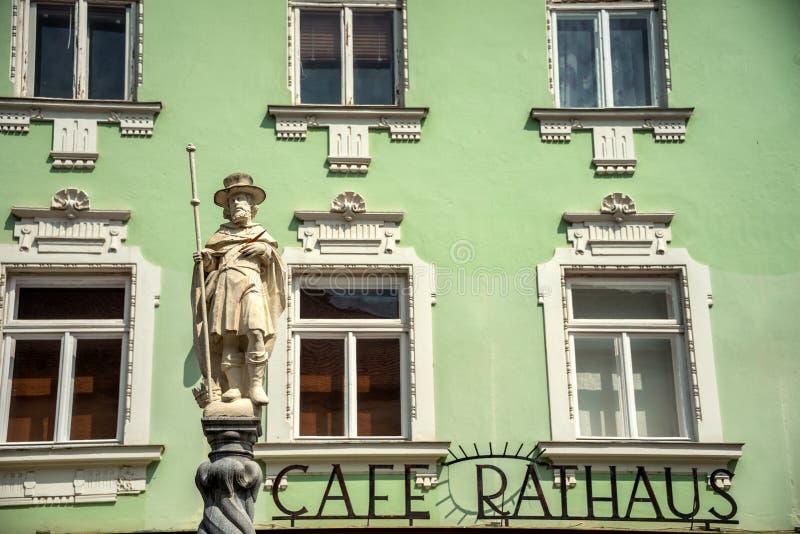 在方形的Rathausplatz附近的中世纪大厦 Melk,下奥地利州,欧洲 免版税图库摄影