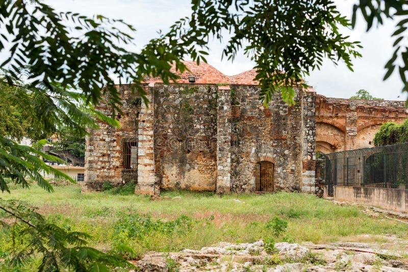 在方济会修道院,圣多明哥,多米尼加共和国的废墟的看法 复制文本的空间 库存图片