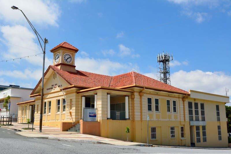 在旅行提包,澳大利亚的老邮局大厦 库存图片