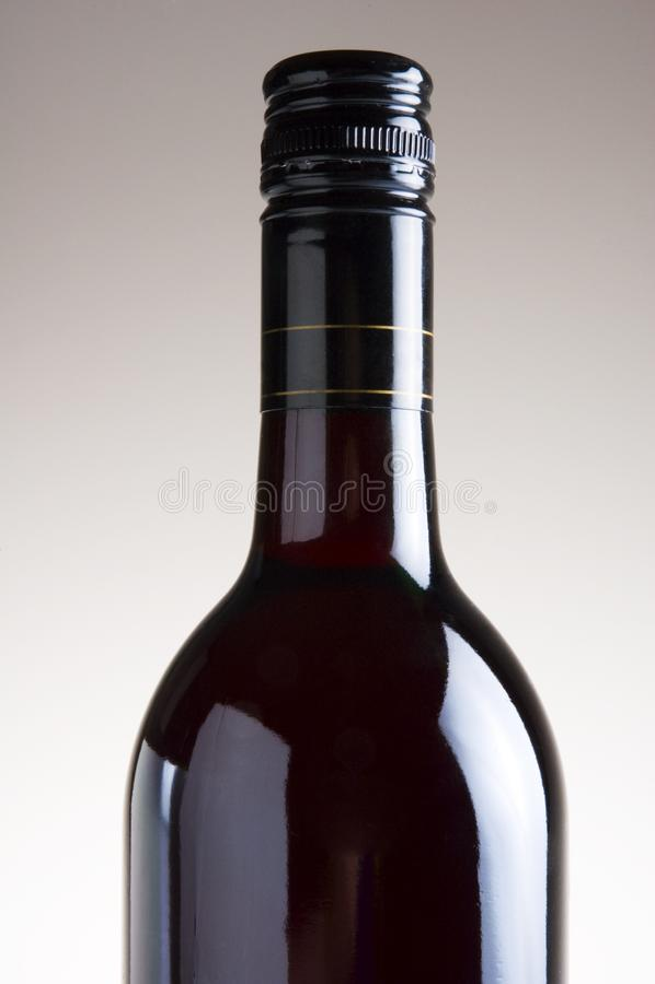在无格式背景的查出的红葡萄酒瓶 免费图库摄影