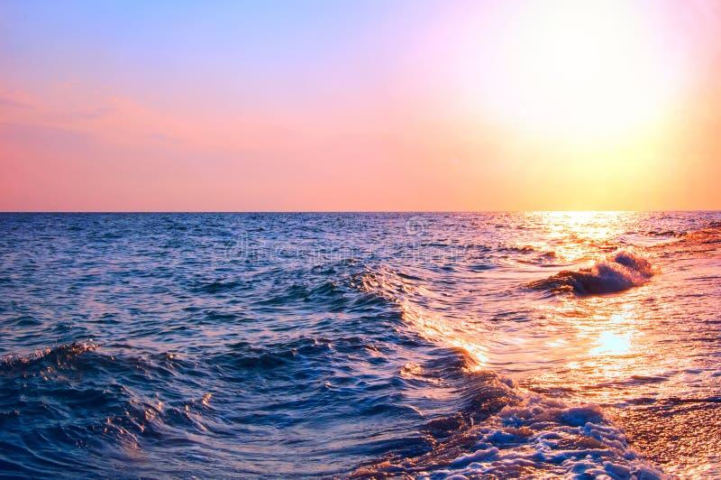 在日出期间的海景 库存照片