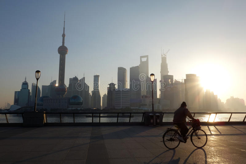 在日出的上海lujiazui 免版税库存图片