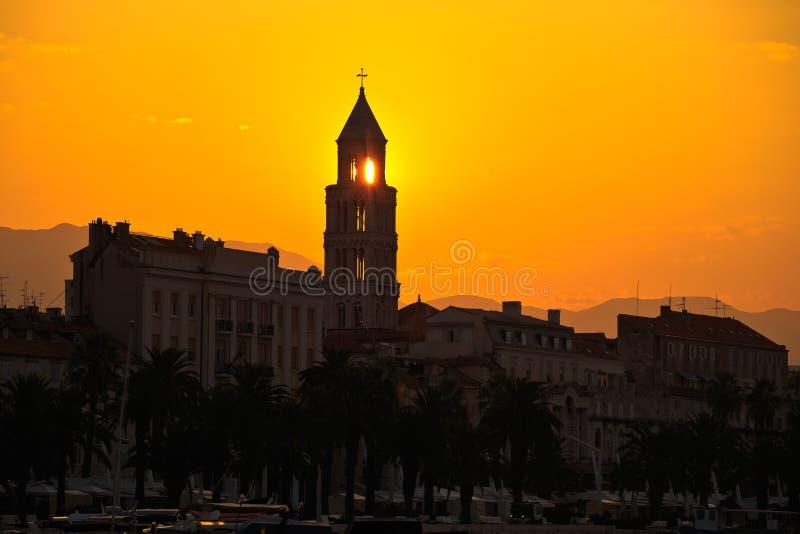 在日出的分裂Riva城市 库存照片