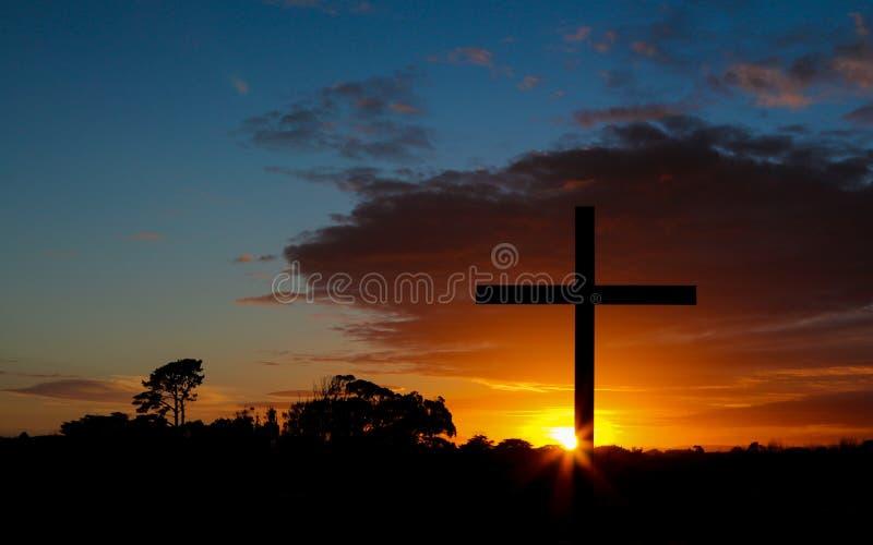 在日出的十字架 图库摄影