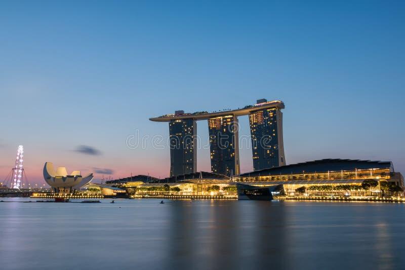在日出的新加坡地平线 库存图片