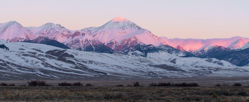 在日出的金刚石峰顶 免版税库存照片