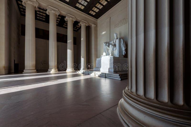 在日出,华盛顿特区的亚伯拉罕・林肯纪念品 免版税库存照片