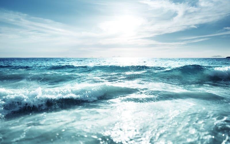 在日落时间,掀动转移作用的Saychelles海滩 免版税库存图片