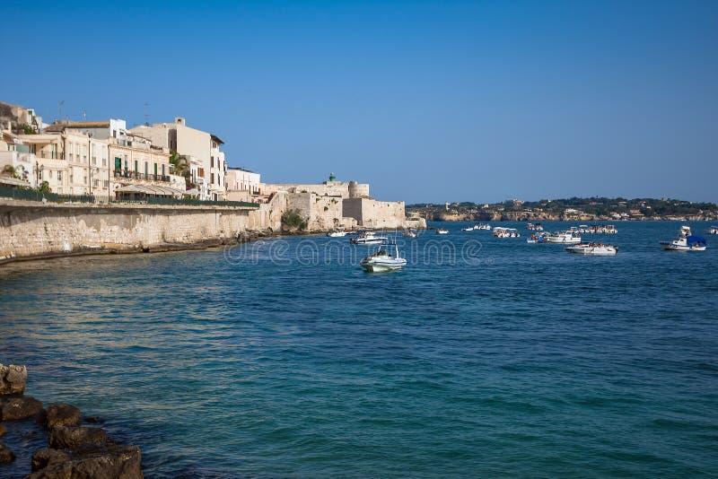 在日落期间的古老Siracusa市,西西里岛海岛 库存照片