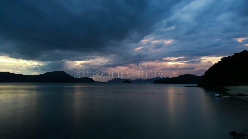 在日落海的慢快门 库存图片