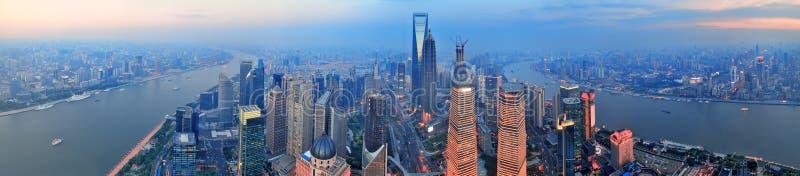在日落的上海天线 库存图片