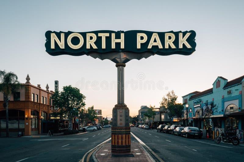在日落的北部公园标志,在圣迭戈,加利福尼亚 图库摄影