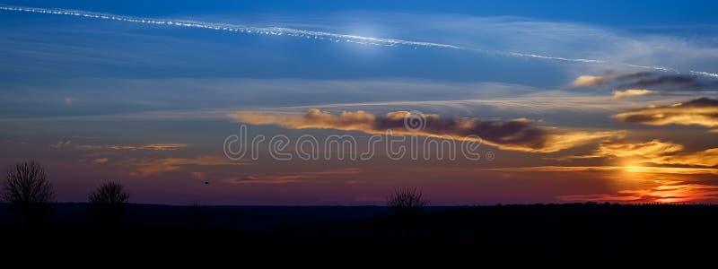 在日落的域 库存照片