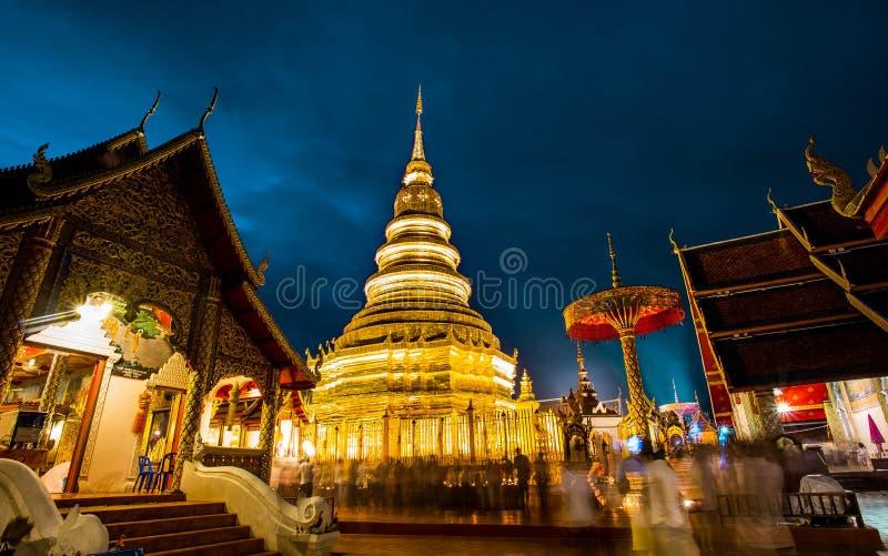 在日落的寺庙 免版税库存图片