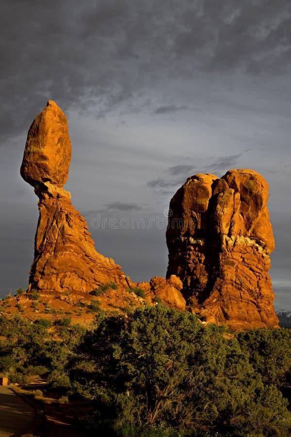 在日落的平衡的岩石在拱门国家公园默阿布犹他 免版税图库摄影