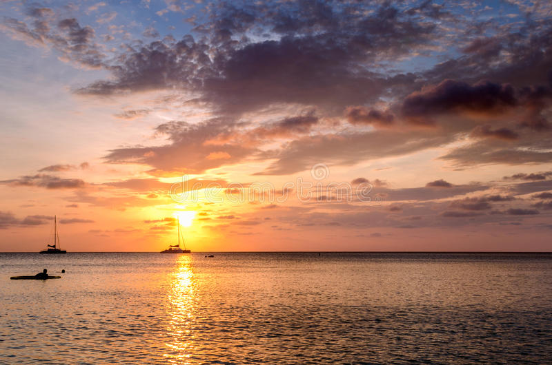 在日落的惊人的海景 免版税图库摄影
