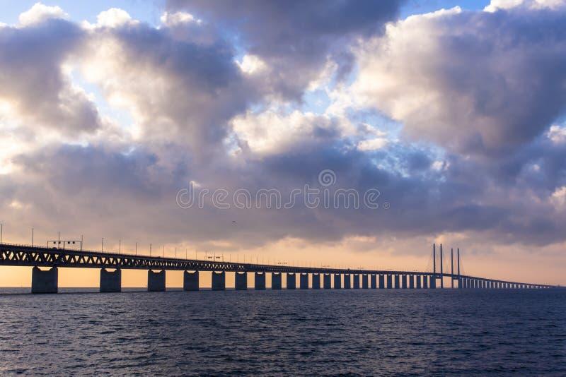 在日落的桥梁 图库摄影
