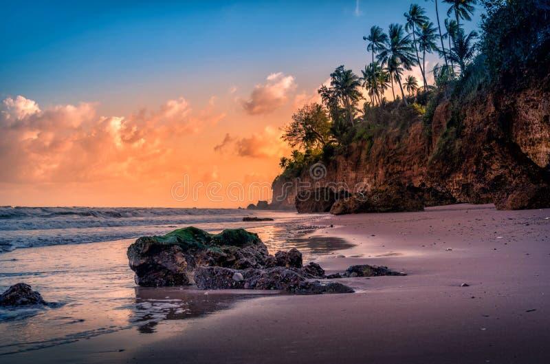 在日落的海景在泰国 r 图库摄影