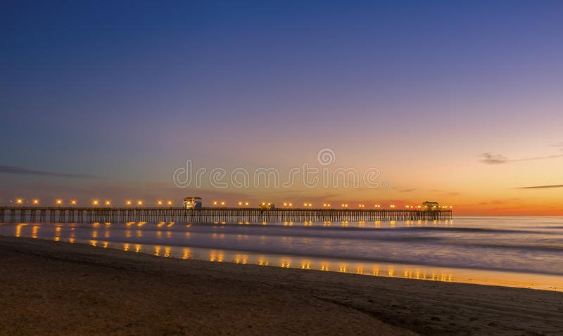 在日落的海洋码头,加利福尼亚 库存照片