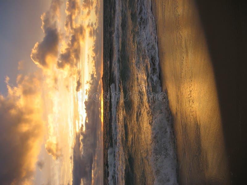 在日落的海洋 库存照片