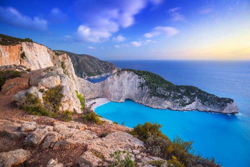 在日落的海难海滩在扎金索斯州海岛,希腊上 免版税库存照片