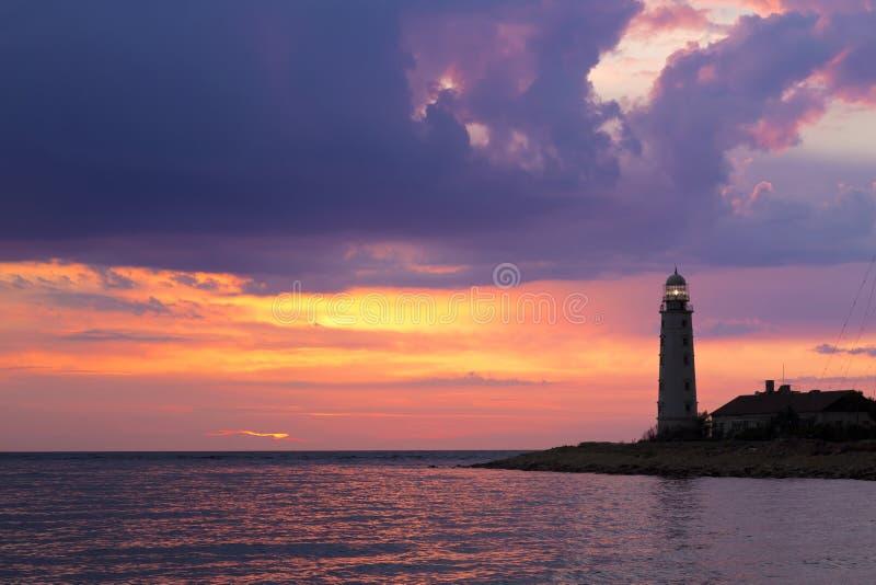 在日落的灯塔,塞瓦斯托波尔, 库存图片