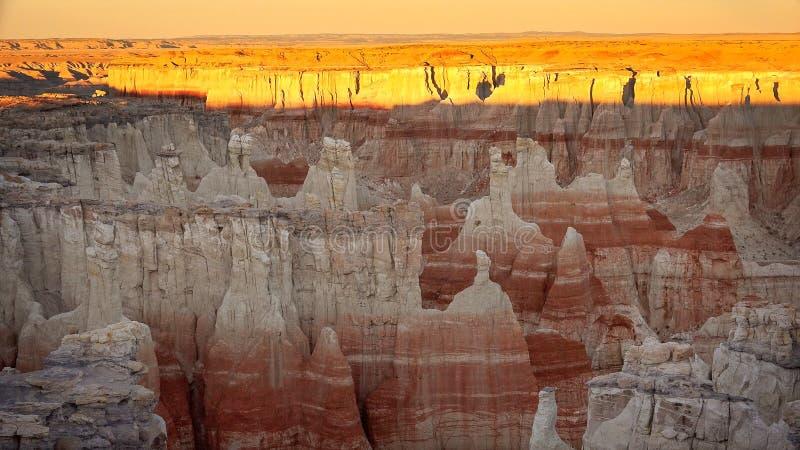 在日落的煤矿峡谷 免版税库存图片