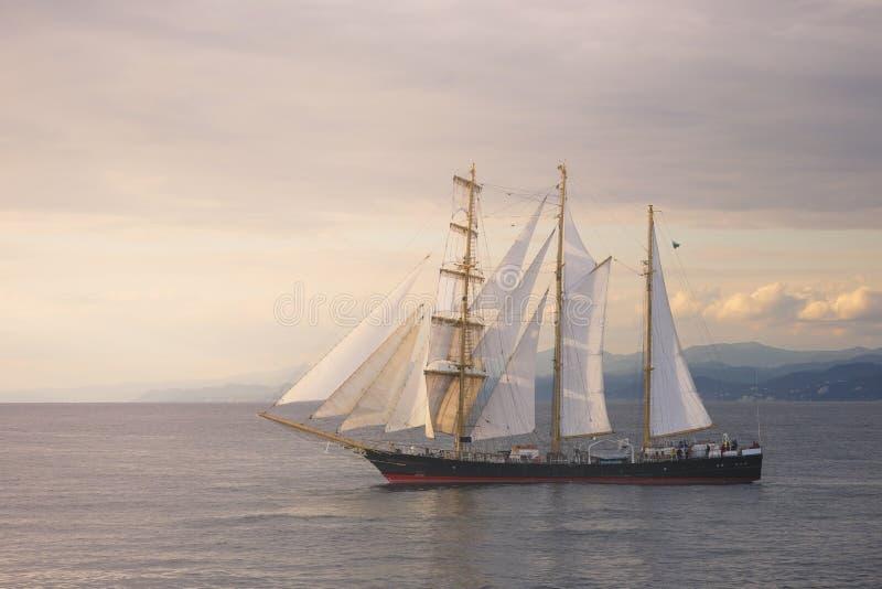 在日落的美丽的风船 库存照片