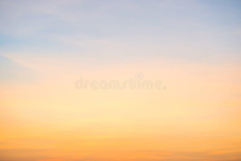 在日落的美好的cloudscape 免版税库存照片
