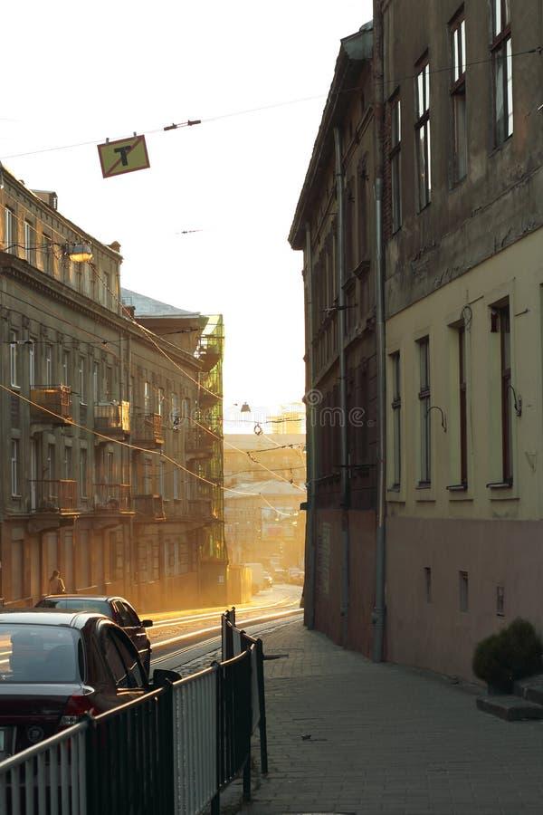 在日落的老街道 库存照片