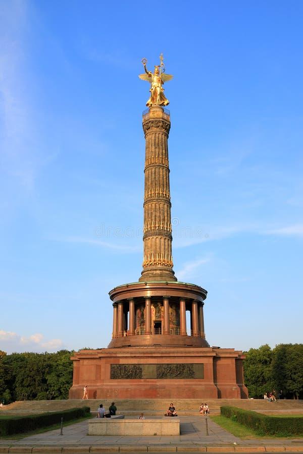 在日落的胜利专栏Siegessäule,柏林,德国德国 免版税图库摄影