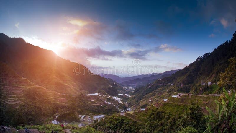 在日落的著名Ifugao菲律宾米大阳台 免版税库存图片