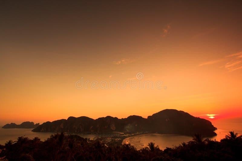 在日落的观点在发埃发埃海岛,泰国 库存图片