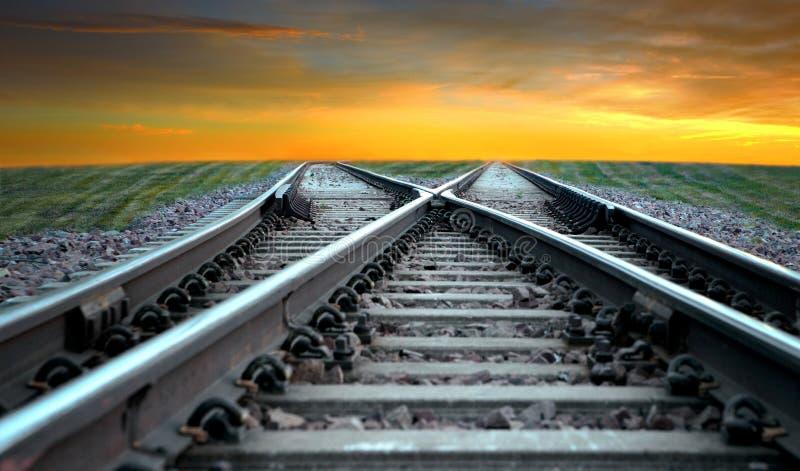 在日落的铁路 免版税库存图片